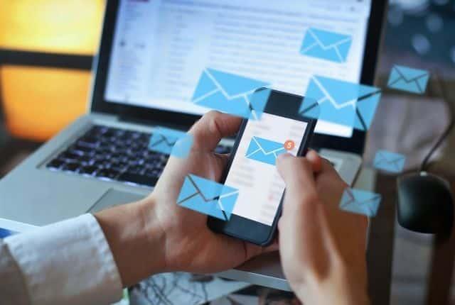 recensione aweber crea email professionali
